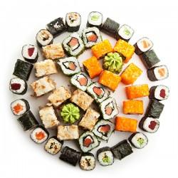 40 stk. gourmet-sushi tilberedt af tidligere Michelin-sushi kok hos Kanagawa
