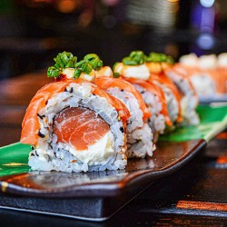 Bestil 40 stk. luksus sushi til 2-3 personer hos Sushi One på Østerbro i København