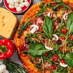 Frit vælge mellem 2 forskellige pizzaer fra menukortet hos Mr. Burger på Frederiksberg til den nette sum af kun 79 kr