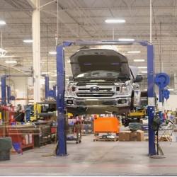 Et Komplet serviceeftersyn af din bil - og kør sikkert afsted