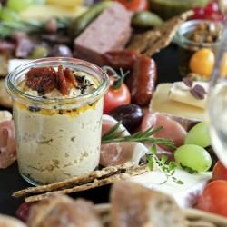 Eksklusiv Tapasbræt og dessert fra Roots Café lavet af Alexandra Kacser med kærlighed til mad