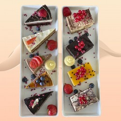 Et fabelagtigt tilbud - 9 stk velsmagende konditor kager - inviter dine venner og familie på kaffeslabberas eller forkæl dine medarbejder med delikate kager