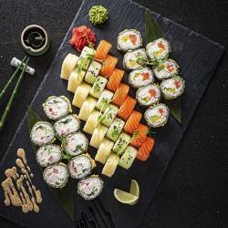 Bestil 55 stk. velsmagende sushi som takeaway hos Yami Sushi i viby